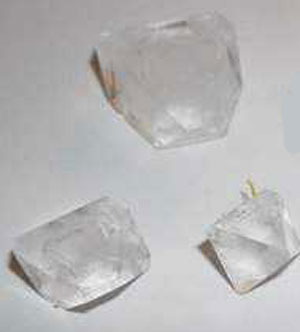And what about substances that do not want to dissolve, for example, with quartz? So how then is quartz grown?